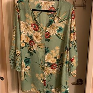 Violet & Claire Top Green w Red & Tan Floral - 2x